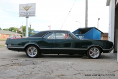 1966_Olds_442_2017-10-06.0160