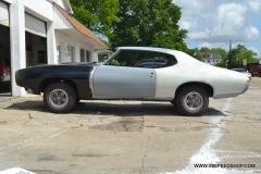 1968_Pontiac_GTO_AS_2015-05-18.0011