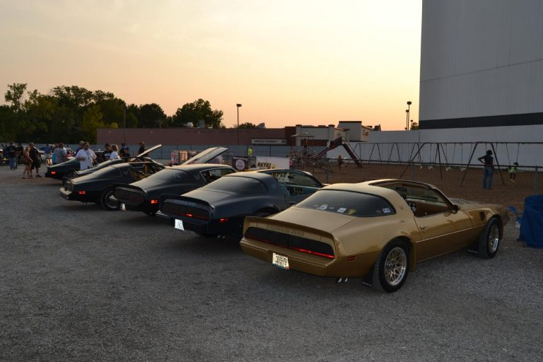 V8TV 10th Anniversary and First Annual Drive-In Cruise Photo Gallery