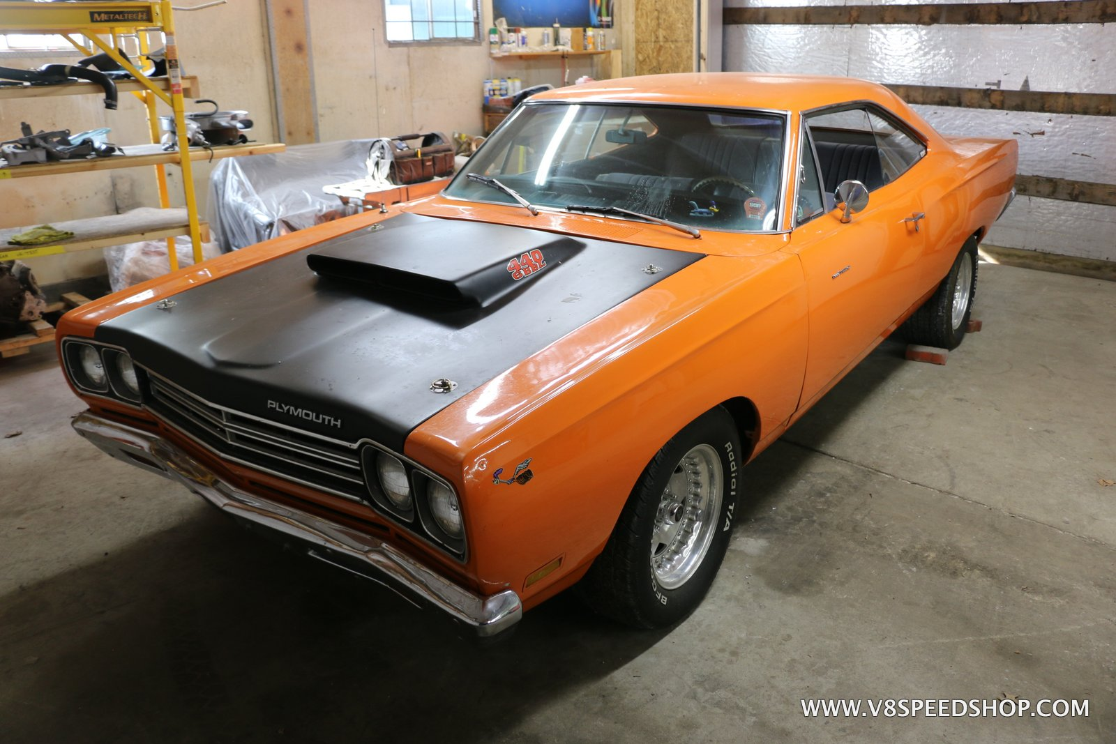 1969.5 Plymouth Road Runner 440+6 Maintenance at the V8 Speed and Resto Shop